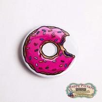 Значок   погрызаный пончик