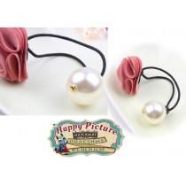 Резиночка для волос с большой жемчужиной и цветочком